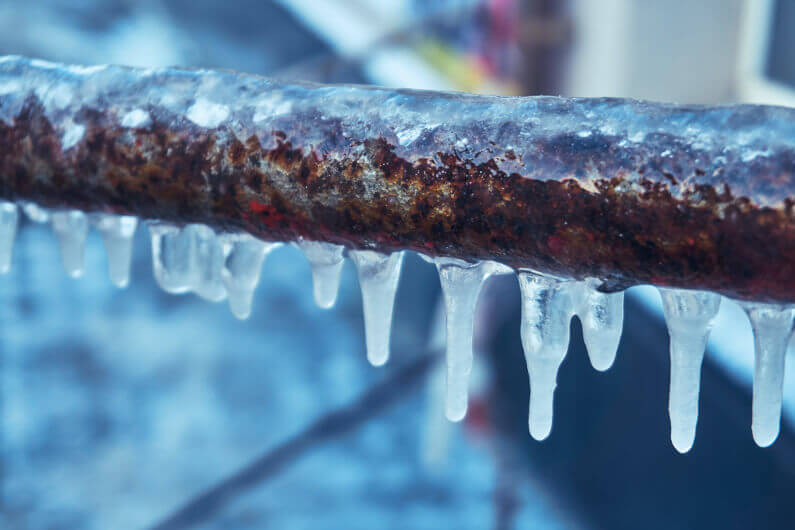 How to Unfreeze Pipes and Avoid Huge Problems